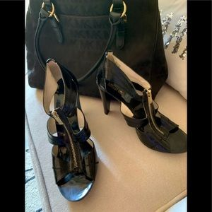 Michael KORS patent leather sandal